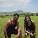 couple-on-a-picnic-at-pavna