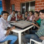 playing-carrom-at-pune-picnic