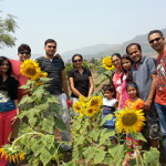 friend-exploring-at-agro-tourism-picnic