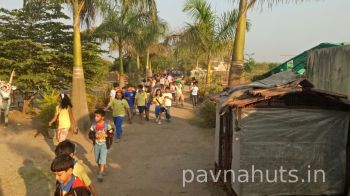 one day school picnic organised at pavnahuts near pune 1
