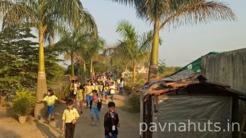 one day school picnic organised at pavnahuts near pune 2